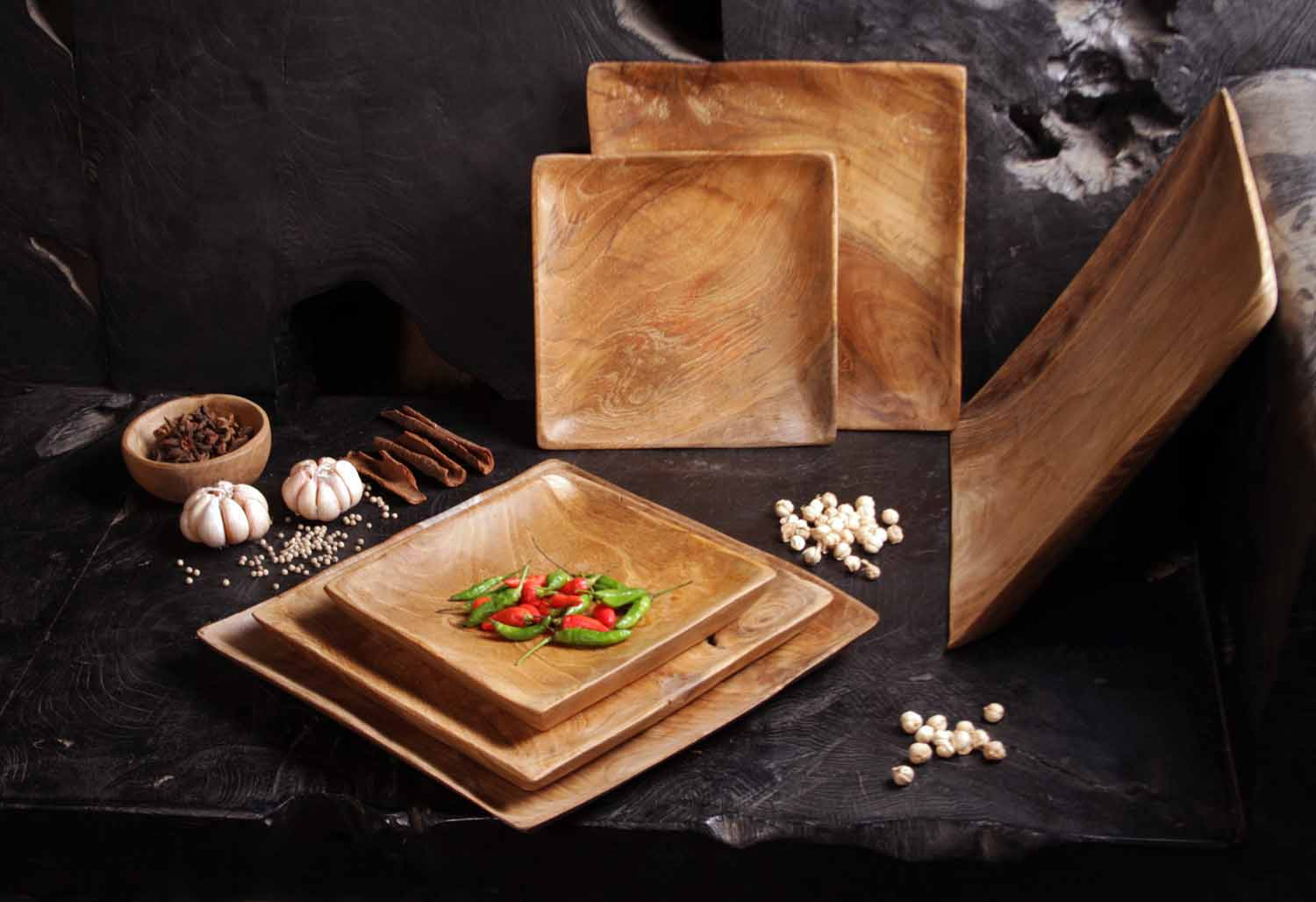Tess square plate - collection | Max & Luuk