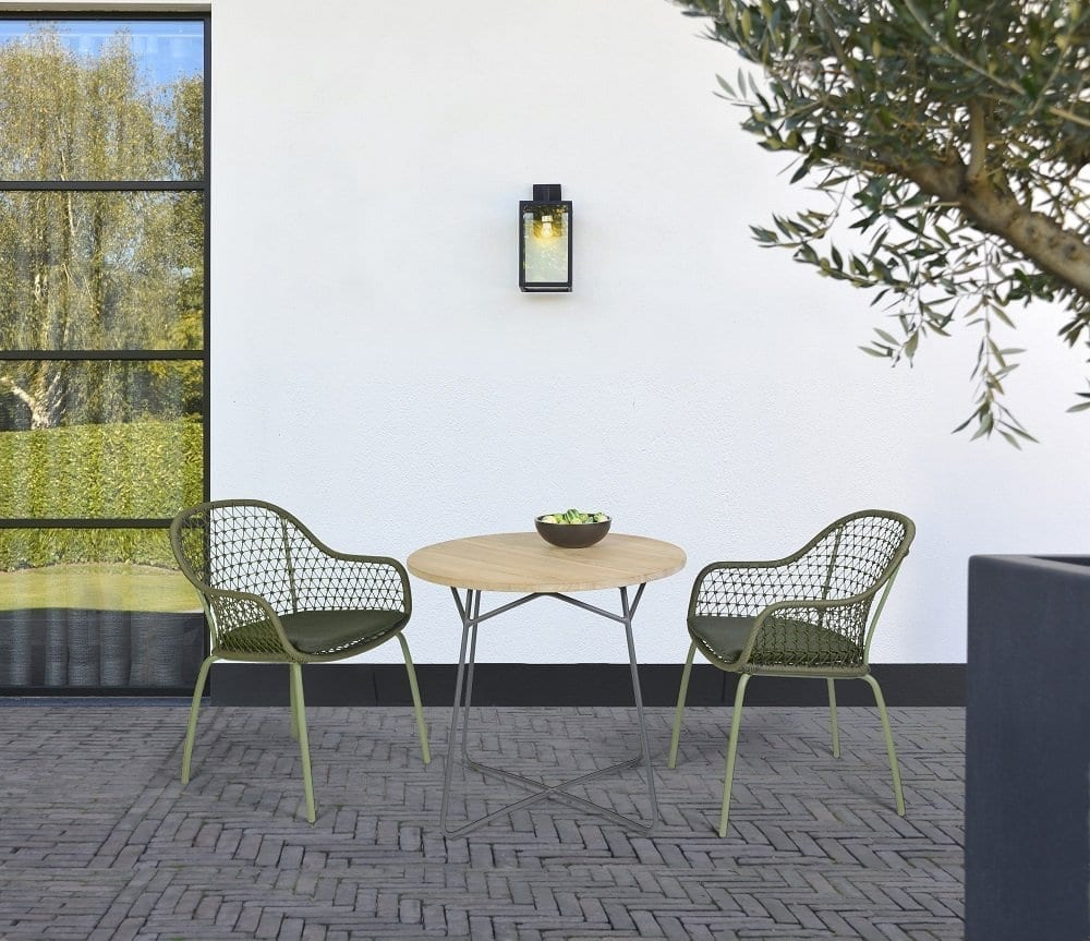 Anna chairs - moss and Lily table | Max & Luuk