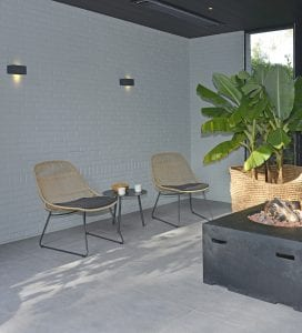 Fibre Stef chairs and Kick side table   Max & Luuk